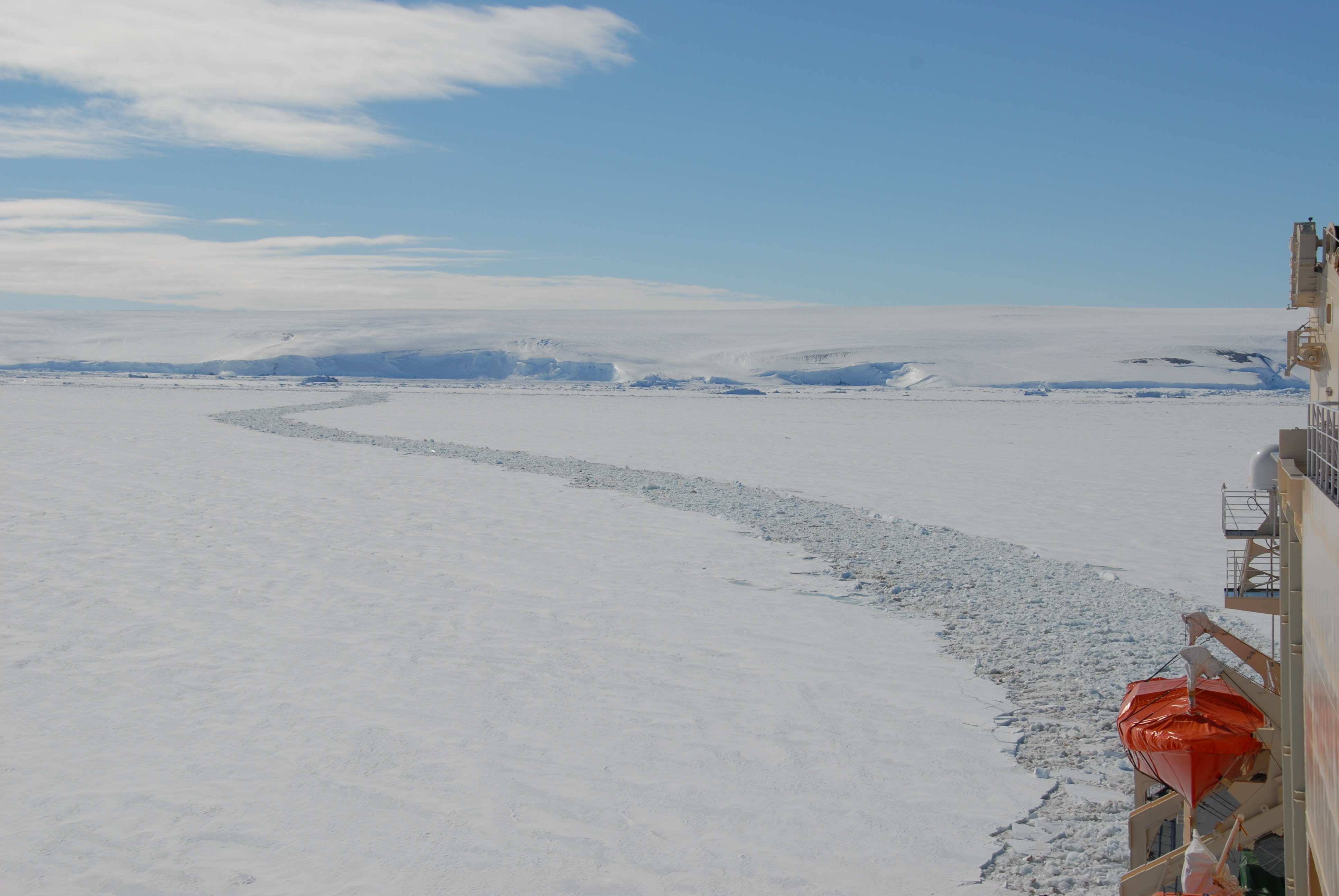 Trail of the Shirase during the 52nd Japanese Antarctic Research Expedition